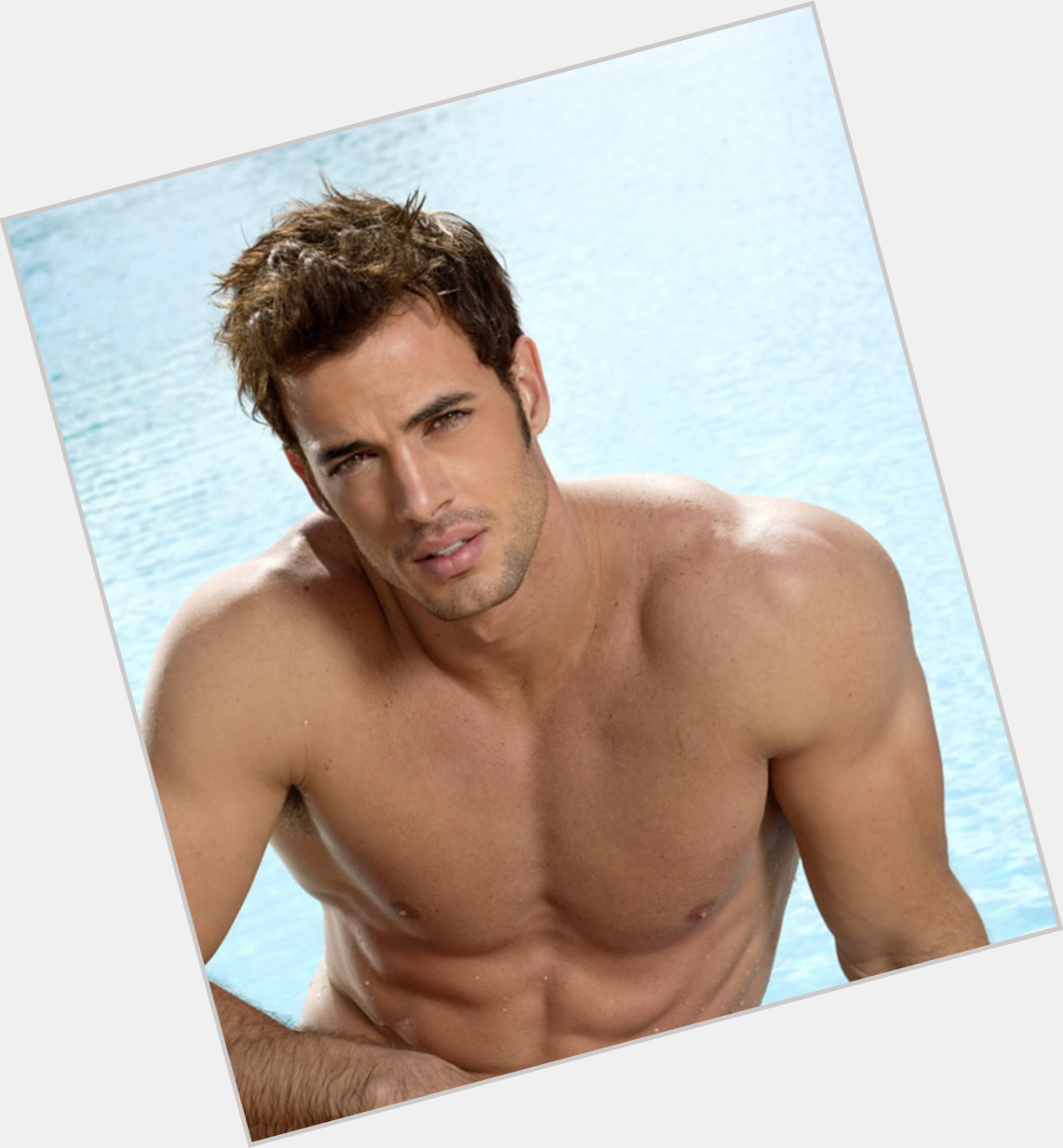 William Levy sexy 1.jpg