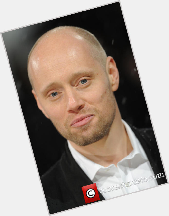aksel hennie girlfriend 6.jpg