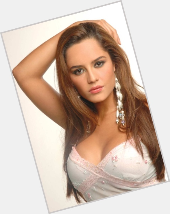 ana lucia dominguez new hairstyles 1.jpg