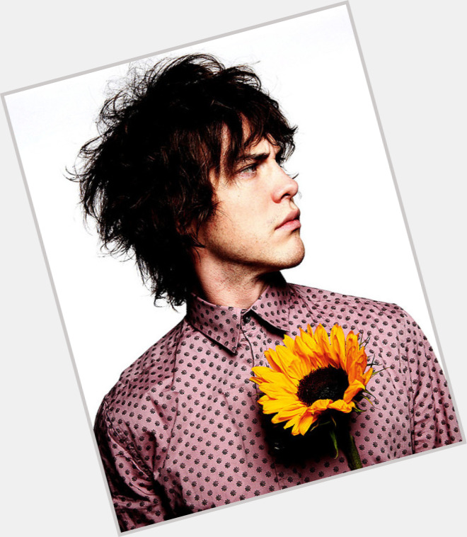 andrew vanwyngarden new hairstyles 1.jpg