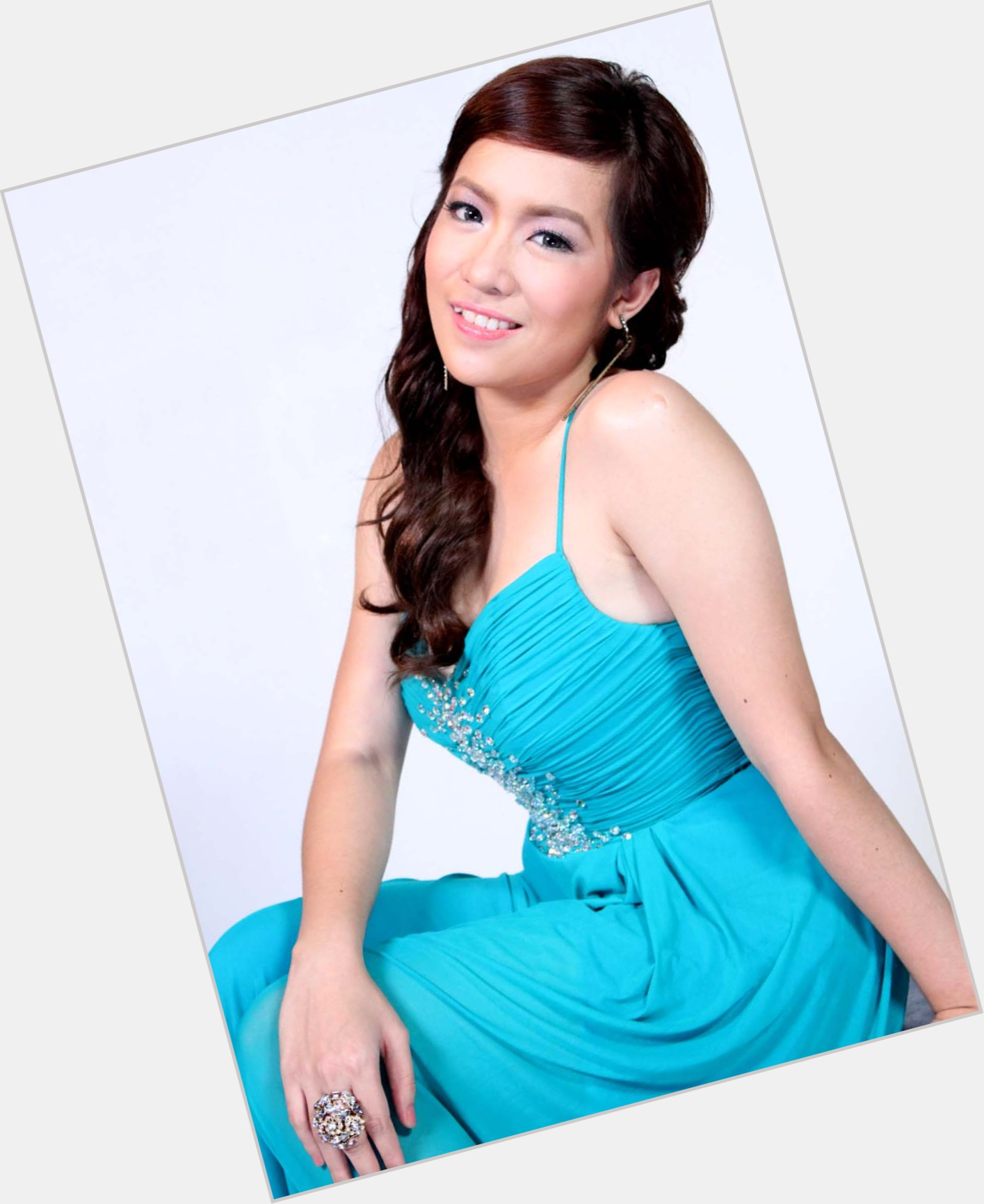 angeline quinto new hairstyles 8.jpg