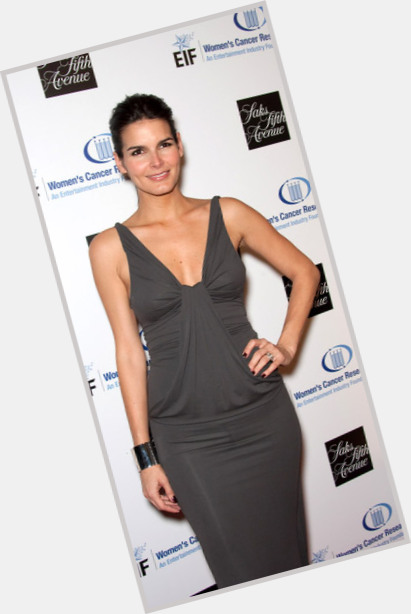 angie harmon law and order 7.jpg