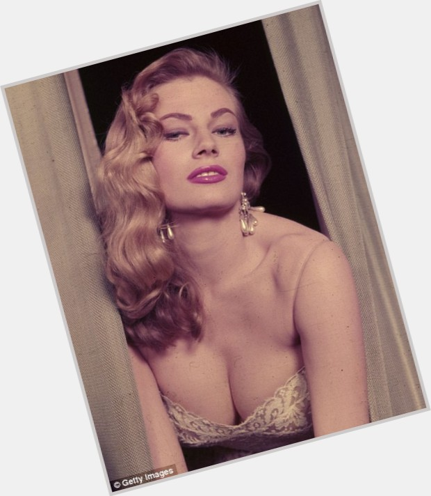 anita ekberg fountain 8.jpg
