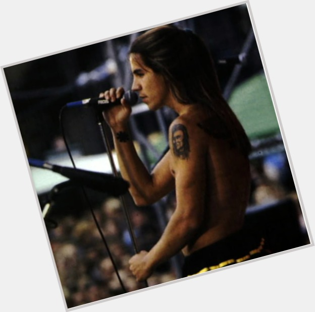 anthony kiedis red hot chili peppers 10.jpg