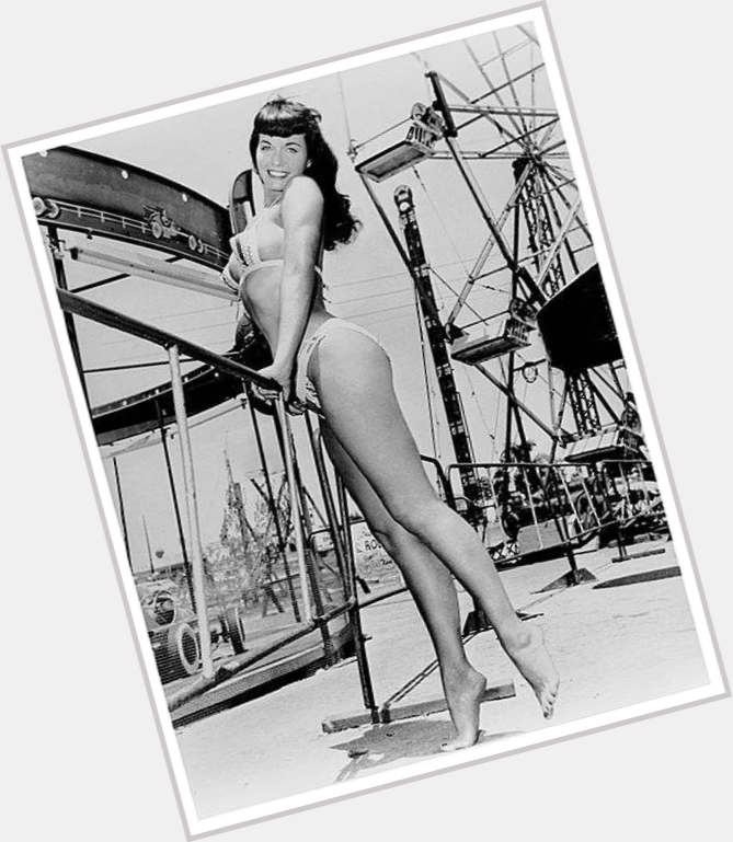 bettie page wallpaper 6.jpg