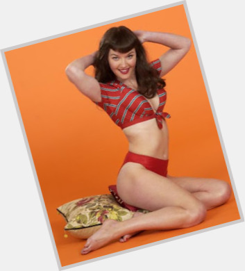 bettie page wallpaper 7.jpg