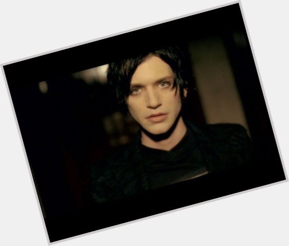 brian molko new hairstyles 0.jpg