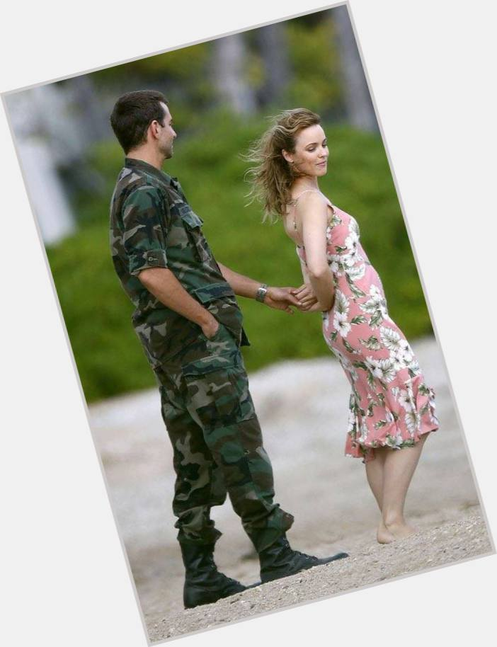 cameron mills divorced singles personals Meetingland is an international site, that provides many free opportunities for international pen pals, australia.