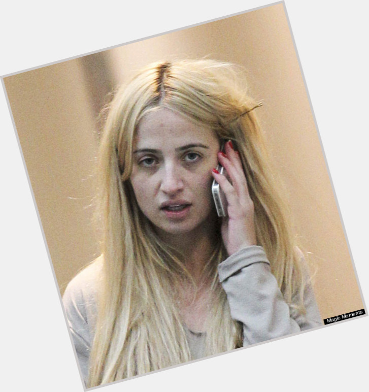Chantelle Houghton Official Site For Woman Crush