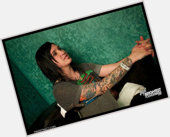 Is Craig Mabbitt Gay 121
