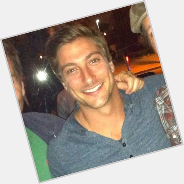 daniel lissing girlfriend 1.jpg