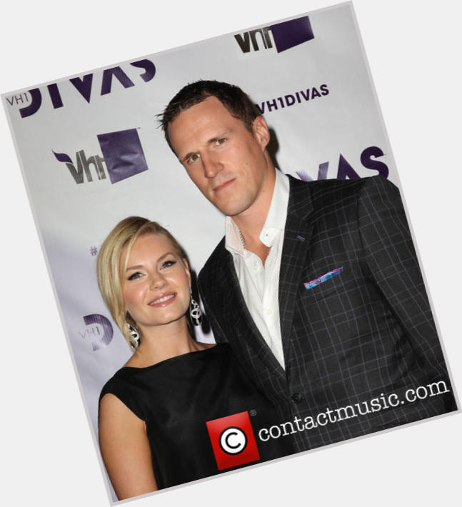 dion phaneuf wife 1.jpg