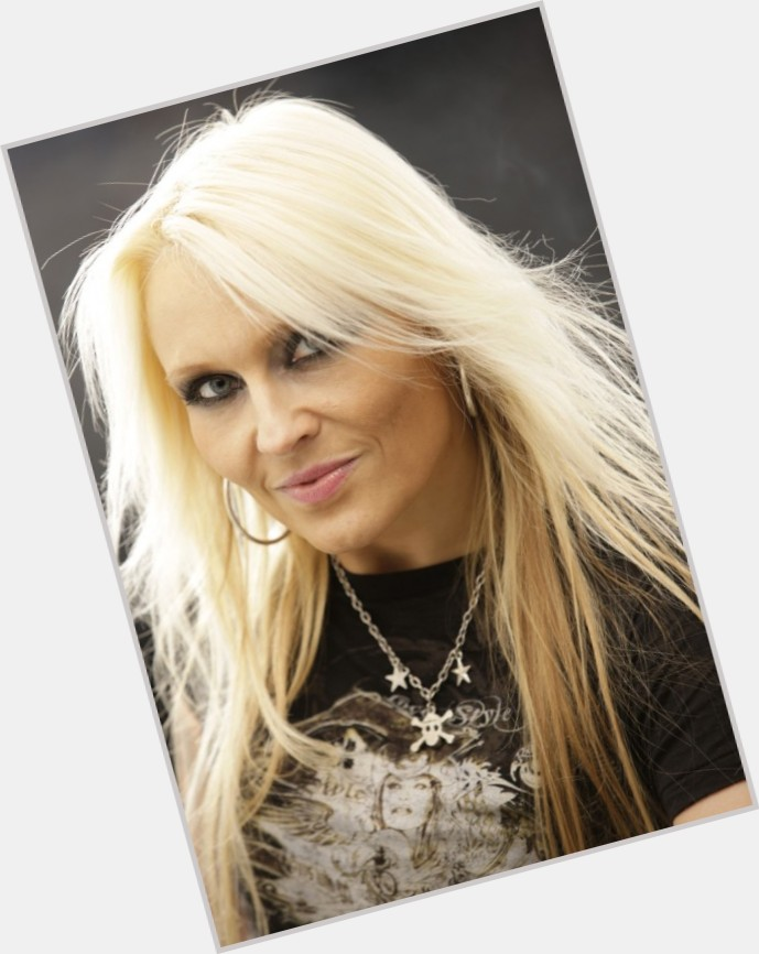 doro pesch new hairstyles 1.jpg