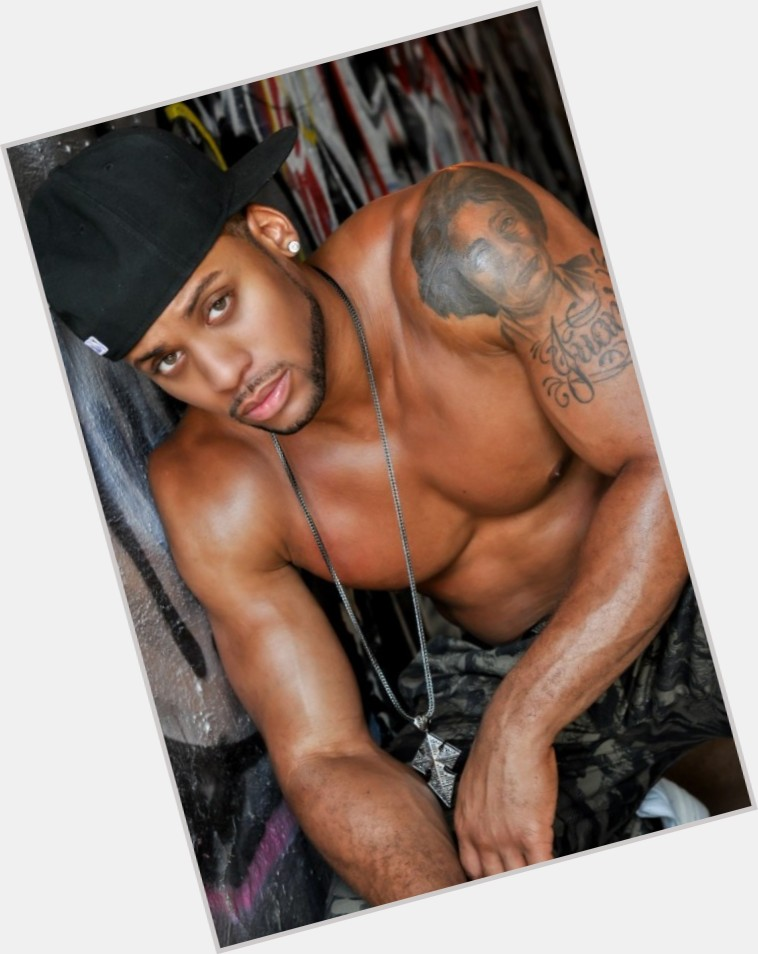 trey-songz-half-naked-bachelor-party-naked-pics