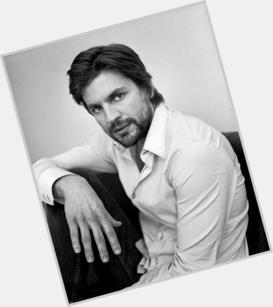gale harold new hairstyles 0.jpg