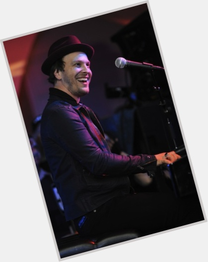 gavin degraw without a hat 10.jpg