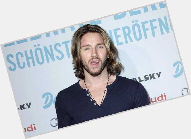 gil ofarim new hairstyles 0.jpg
