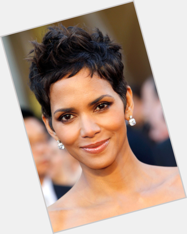 halle berry new hairstyles 1.jpg