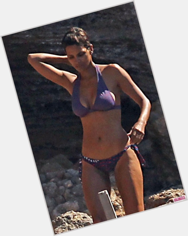 halle berry body 9.jpg