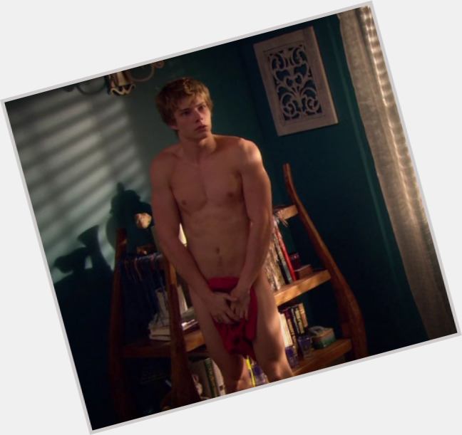 hunter parrish girlfriend 6.jpg