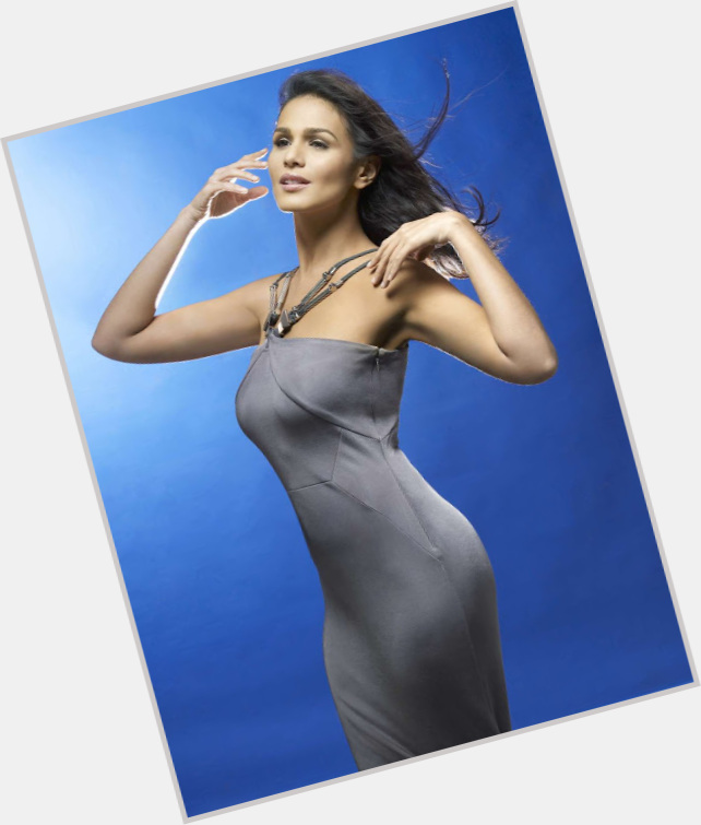 iza calzado before weight loss 4.jpg