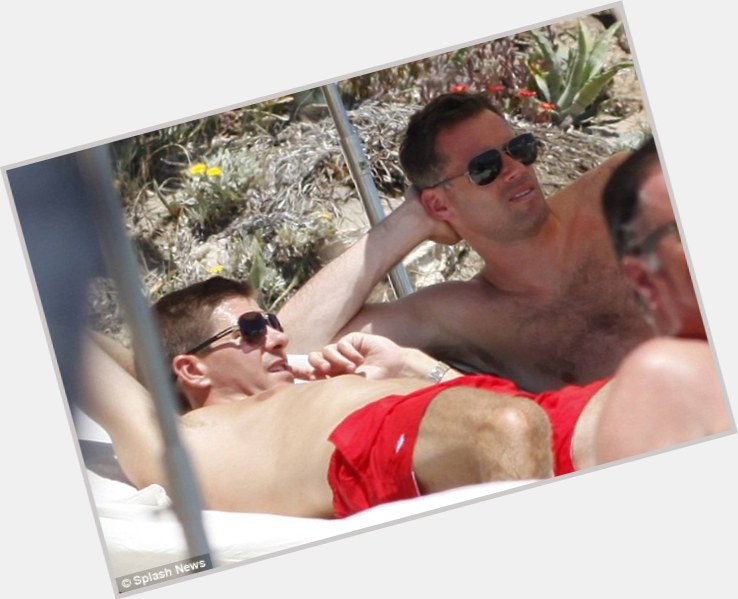jamie carragher belly button 9.jpg