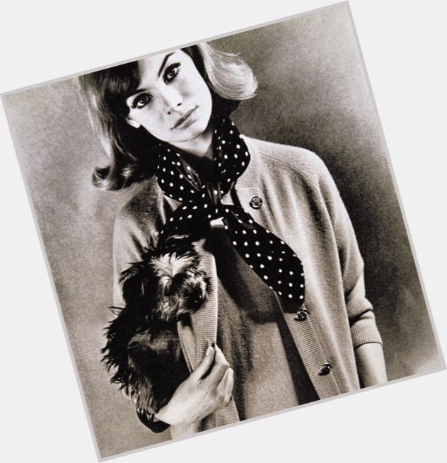 jean shrimpton vogue 3.jpg