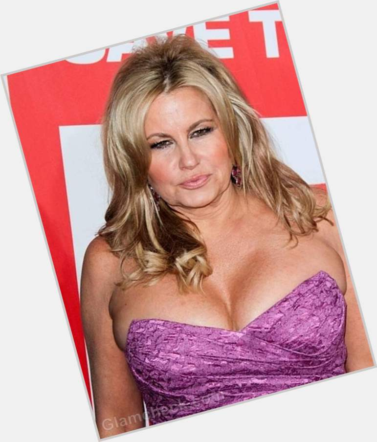 jennifer coolidge body 1.jpg