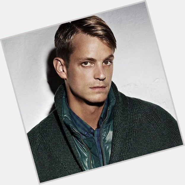 joel kinnaman girlfriend 1.jpg
