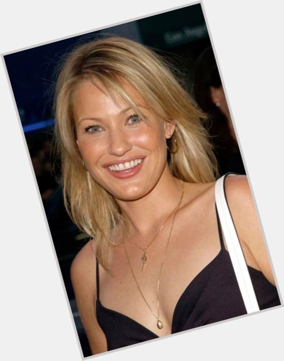 joey lauren adams new hairstyles 0.jpg