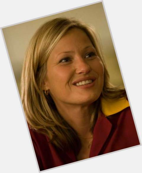 Download this Joey Lauren Adams picture
