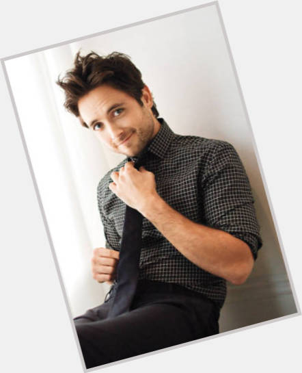 justin chatwin new hairstyles 10.jpg