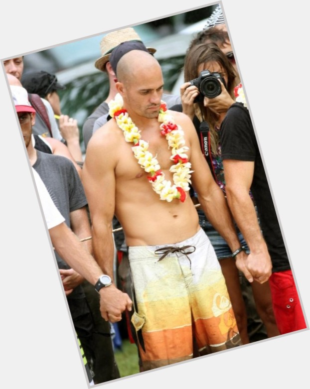 kelly slater surfing 10.jpg