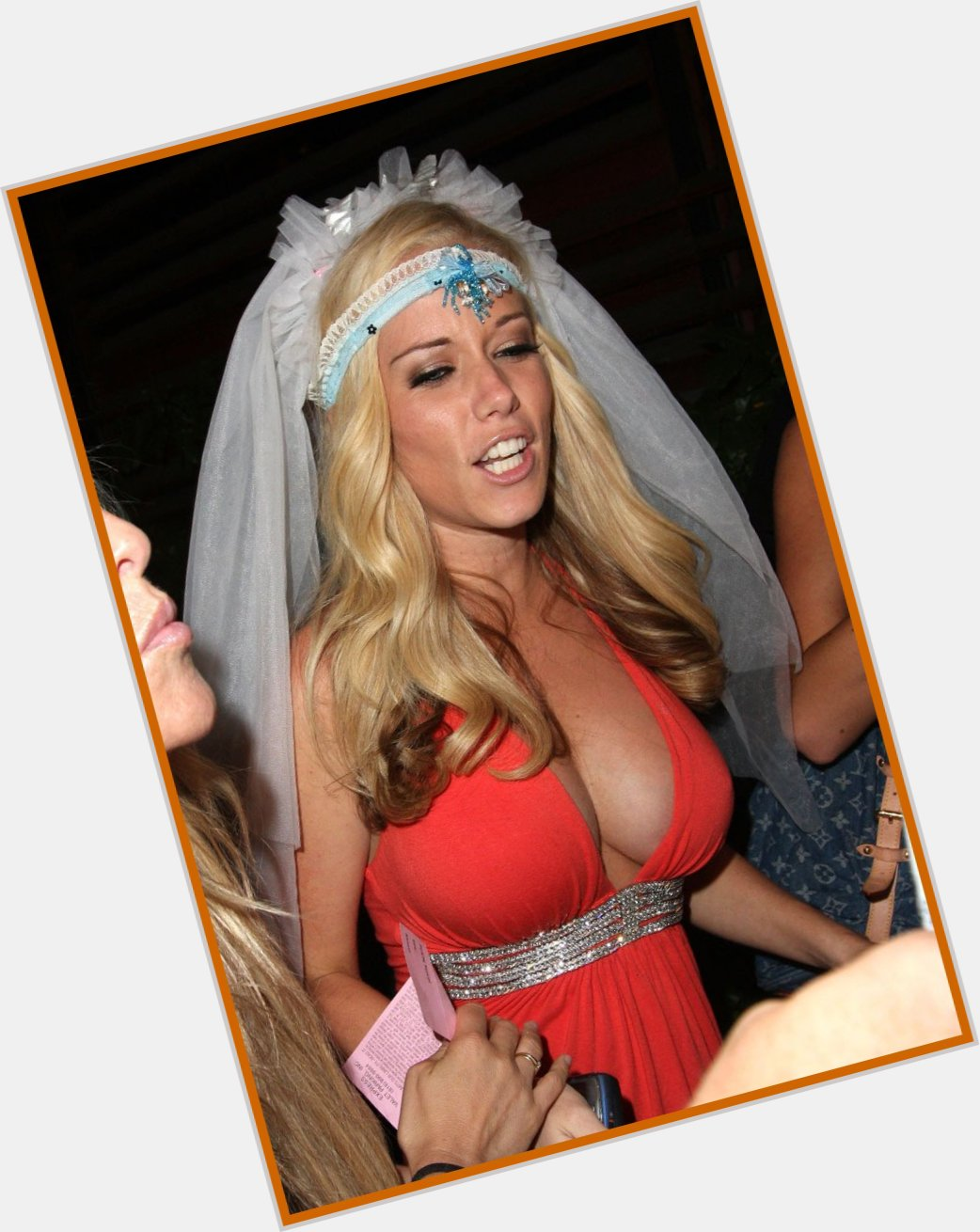 kendra wilkinson splash 1.jpg