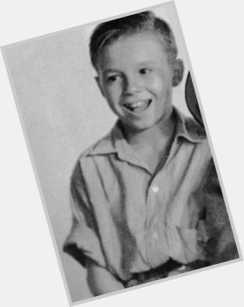 switzer men Carl 'alfalfa' switzer, actor: beginner's luck carl 'alfalfa' switzer was born on august 7, 1927 in paris, illinois 1938 men in fright (short.