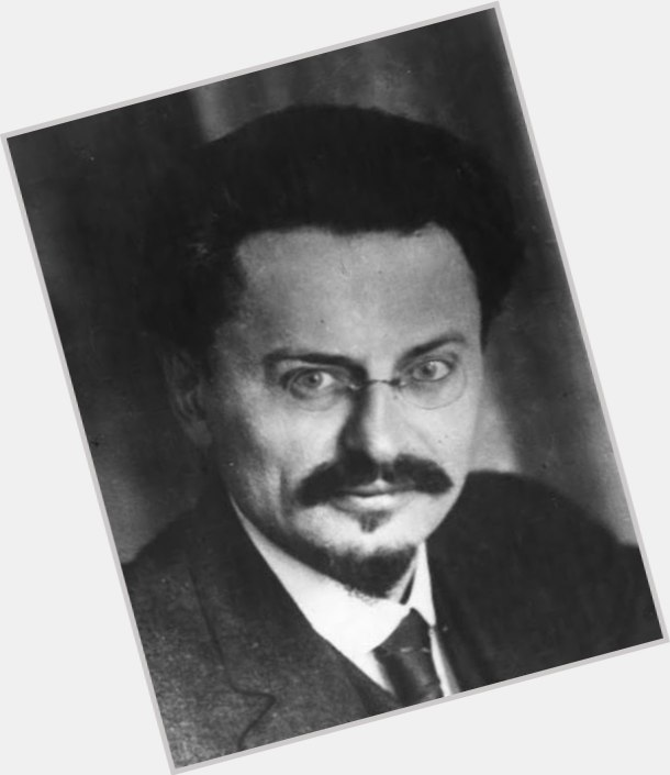 leon trotsky red army 4.jpg