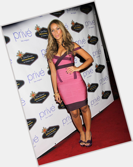 leona lewis nose job before and after 4.jpg