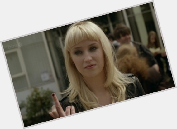 lily loveless new hairstyles 1.jpg
