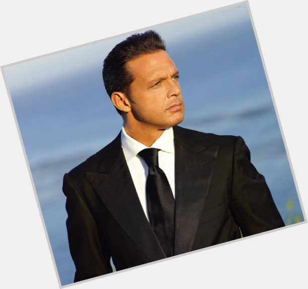 luis miguel new hairstyles 1.jpg