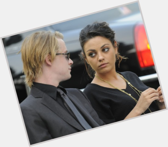 macaulay culkin and mila kunis 11.jpg