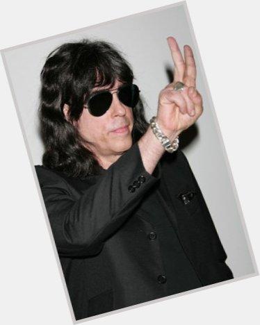 Ramone Wig 76