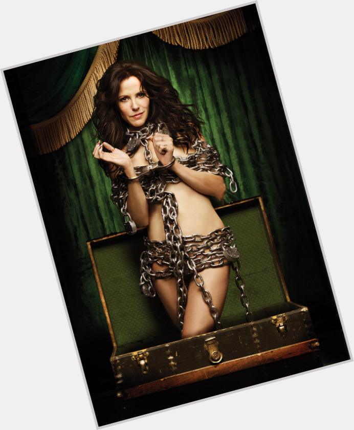 mary louise parker new hairstyles 3.jpg