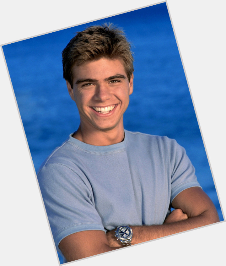matthew lawrence abs 0.jpg