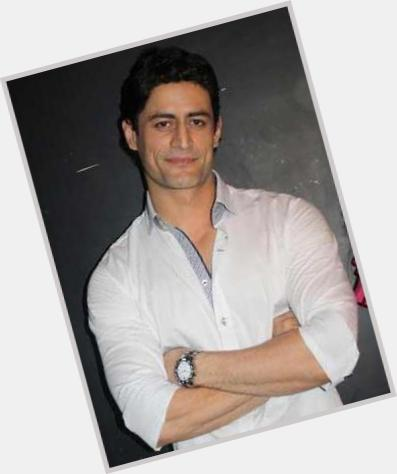 mohit raina and his wife 0.jpg