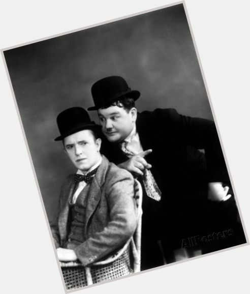 oliver hardy full body 10.jpg