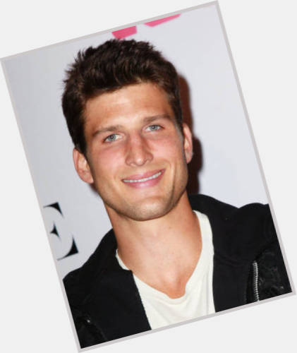 parker young abs 1.jpg