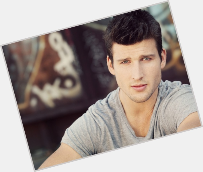 parker young suburgatory 8.jpg