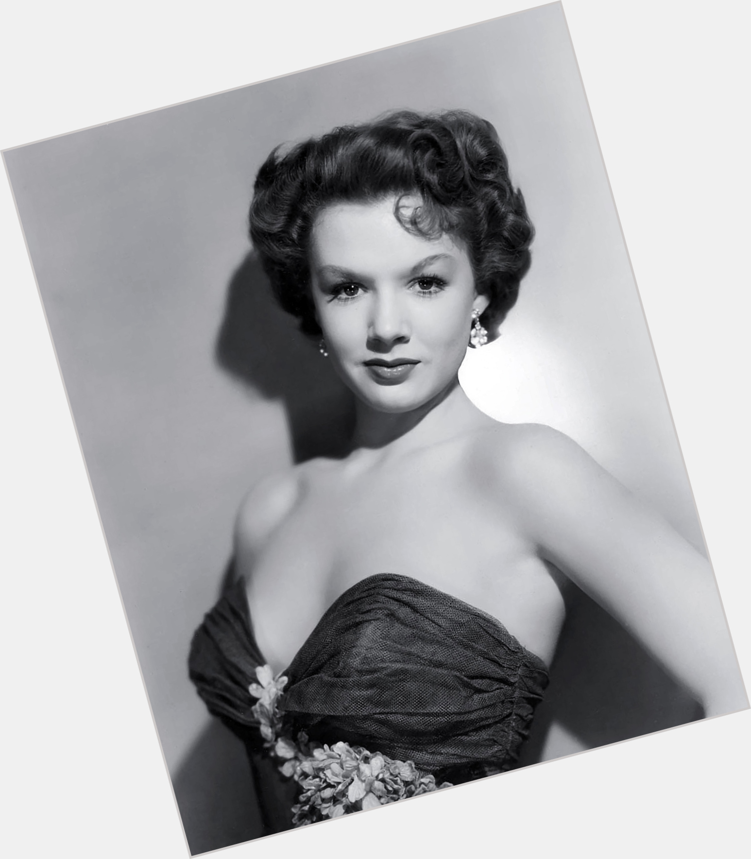 Piper Laurie   Officia...