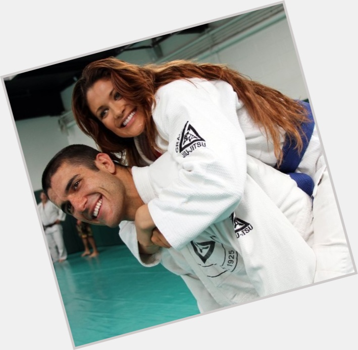 How long has eve torres and rener gracie been dating a guy