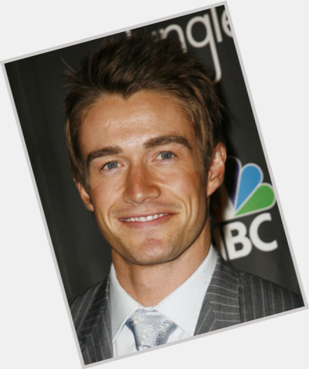 robert buckley girlfriend 0.jpg